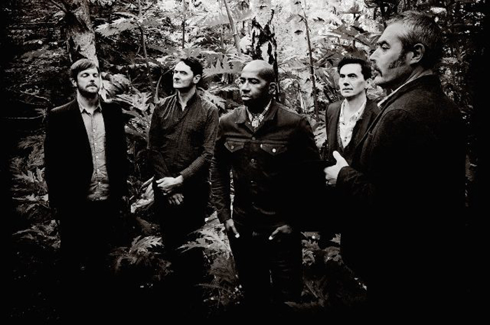 tindersticks-2015-richard-dumas-ip4-main-e1498083833899